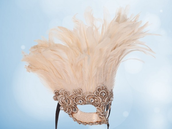 Feather mask in silver with white feathers