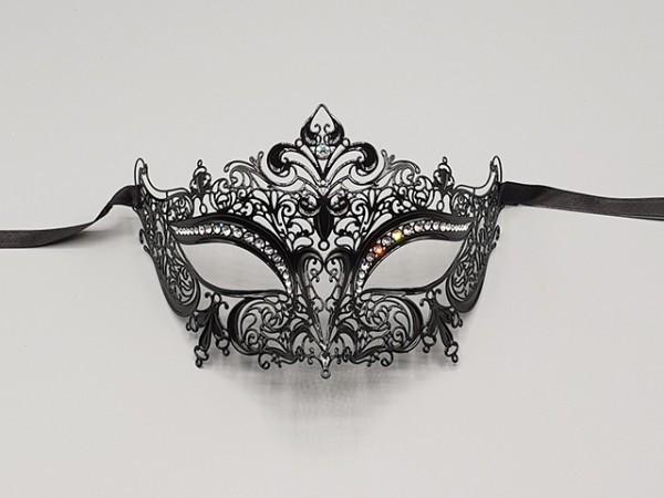 Filigree mask Lily