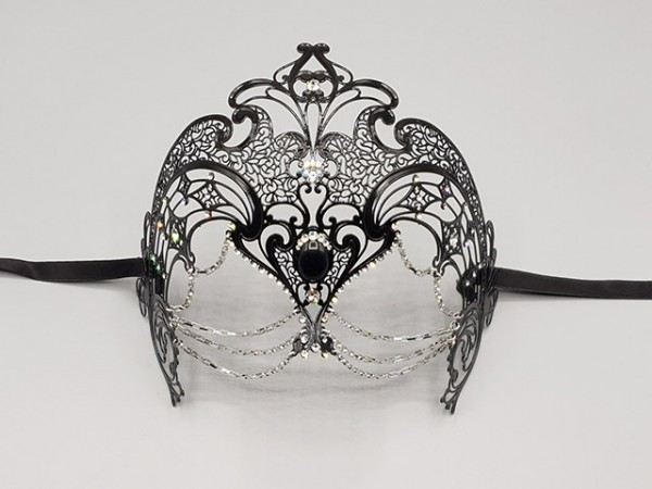 Filigree mask with chains
