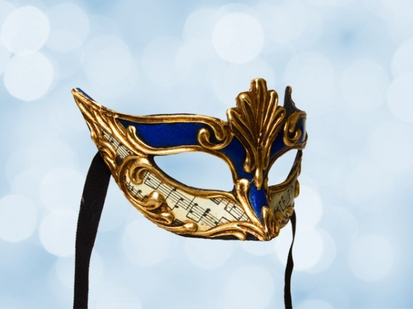 Masked ball mask in blue