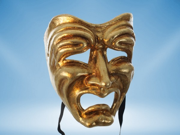 Tragedy mask in gold