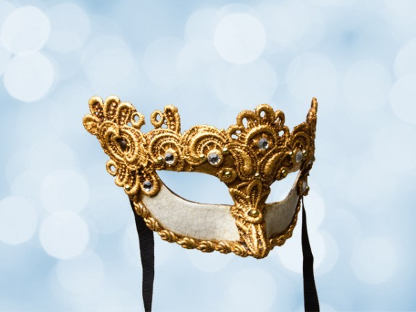 Venetian ball mask for a lady in gold lace