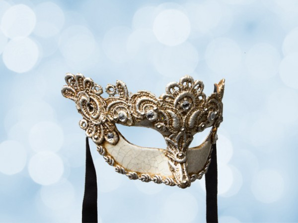 Venetian ball mask for a lady in silver lace