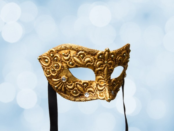 Venetian ball mask for a man in gold lace